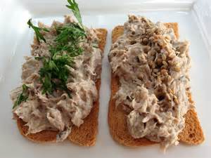 Rillettes de sardines au piment d'espelette sur pain de campagne