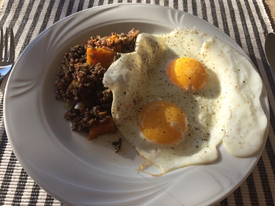 Risotto de riz rouge aux champignons et pesto d'épinard